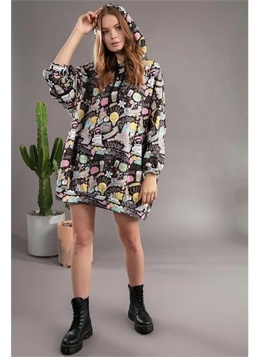 Pattaya Pattaya Kadın Grafik Desenli Kapşonlu Oversize Elbise Sweatshirt Y20W110-4125 Renkli